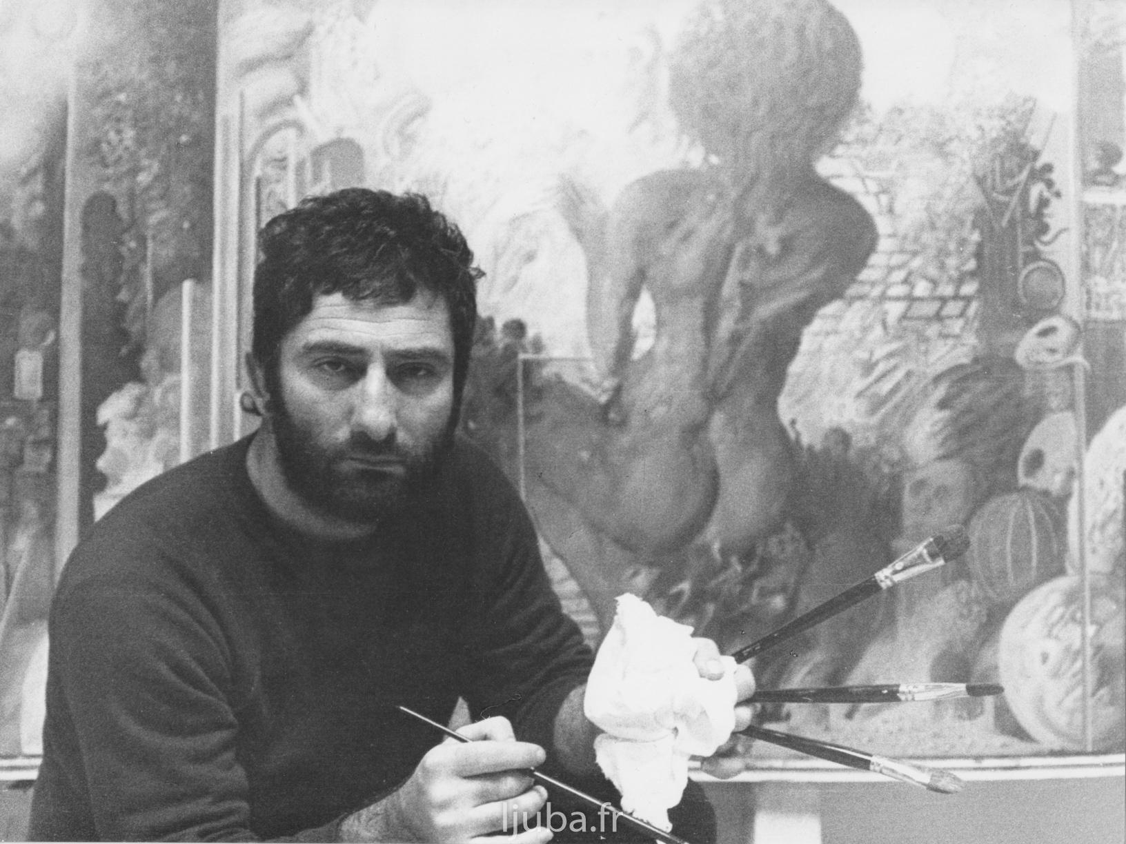 32. 1973., Ljuba u toku rada na slici Molitva ili ključ univerzuma_